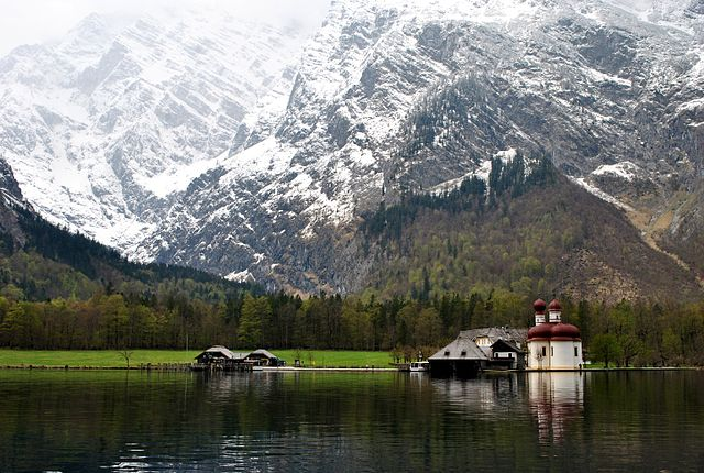 https://commons.wikimedia.org/wiki/File:9_of_10_-_Lake_Konigssee_Bavaria,_GERMANY.jpg