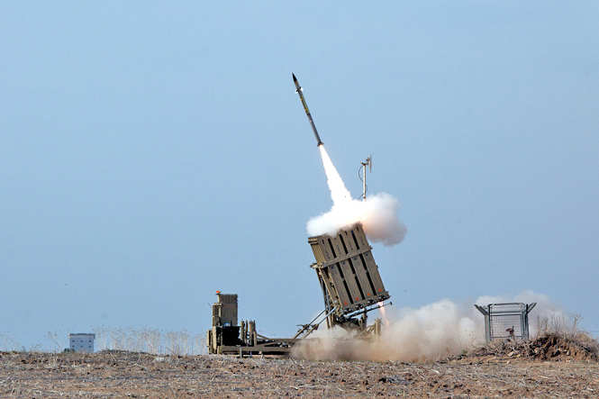 This file is licensed under the Creative Commons Attribution-Share Alike 3.0 Unported license. Source: https://commons.wikimedia.org/wiki/File:Flickr_-_Israel_Defense_Forces_-_Iron_Dome_Intercepts_Rockets_from_the_Gaza_Strip.jpg